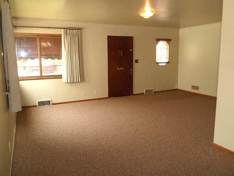 #4½ Living area